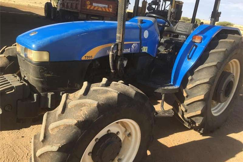 Four wheel drive tractors New Holland TD 95 Tractors