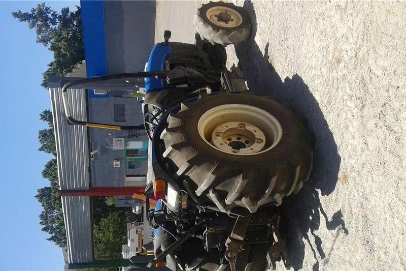 Four wheel drive tractors New Holland TN65N Tractor Tractors