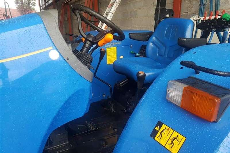 Four wheel drive tractors New Holland TT 4.90 4wd Tractors