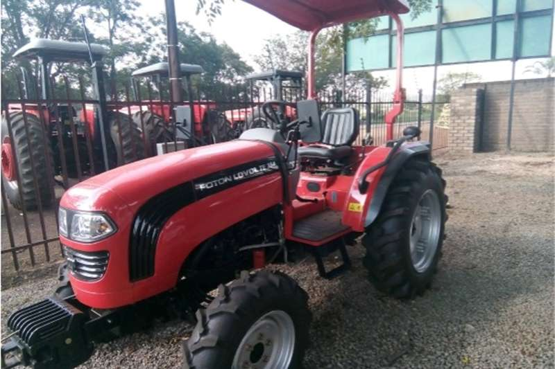 Tractors Four Wheel Drive Tractors S2892 Red FOTON 354 35Hp/25kW 4x4 New Tractor