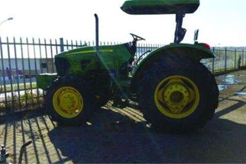Tractors John Deere 5090E- 2014