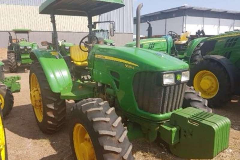 Tractors John Deere 5090E MFWD 2013