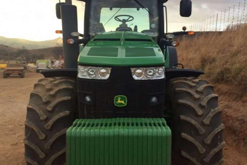John Deere Four wheel drive tractors John Deere 8320 R Tractors