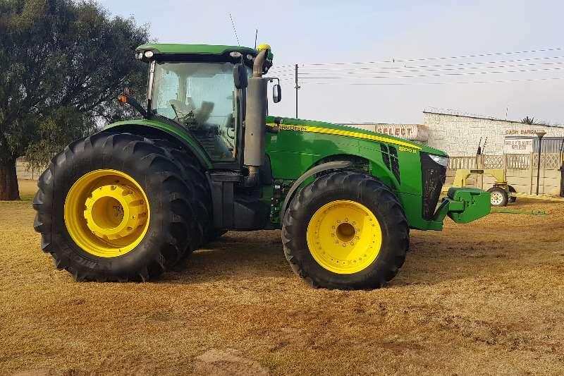 John Deere Four wheel drive tractors John Deere 8370R Tractors