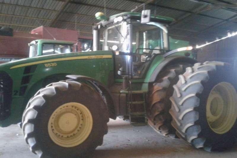 John Deere Four wheel drive tractors John Deere 8520 Tractors