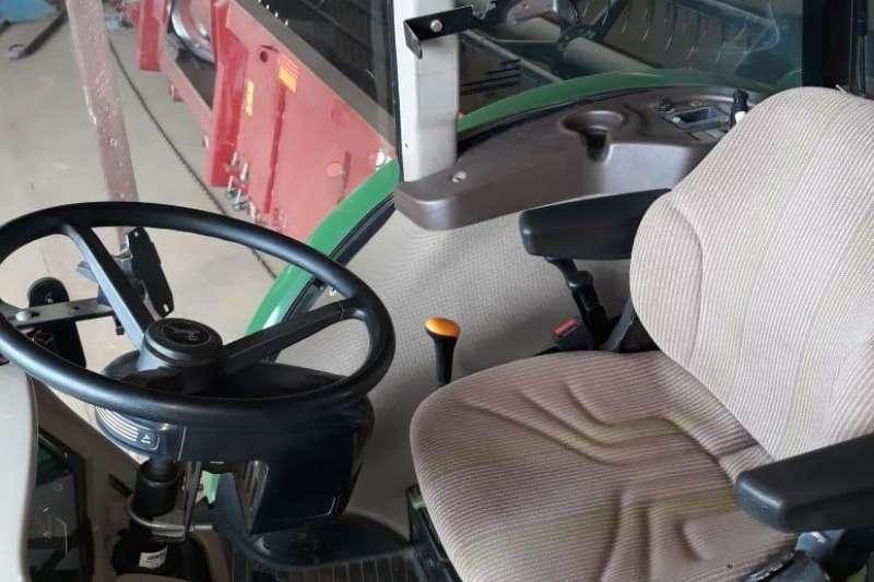 John Deere Speciality tractors John Deere 5725 HC Cab Tractors