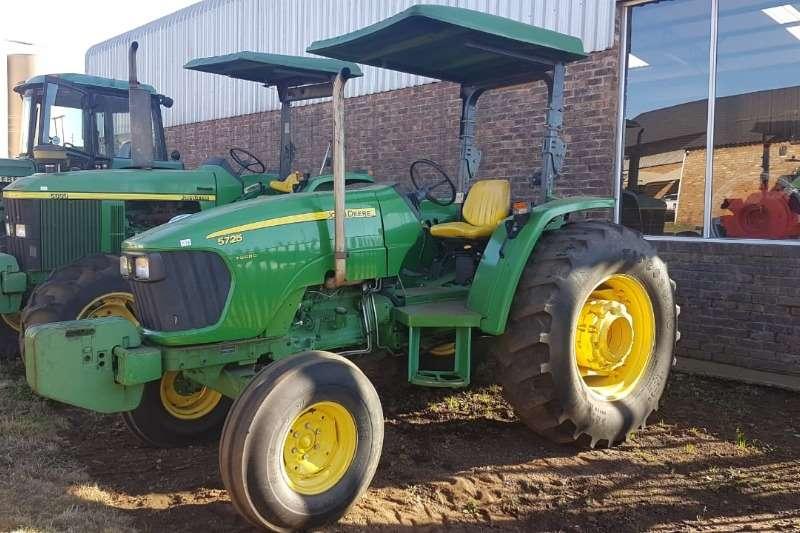 John Deere Two wheel drive tractors John Deere 5725 Tractors