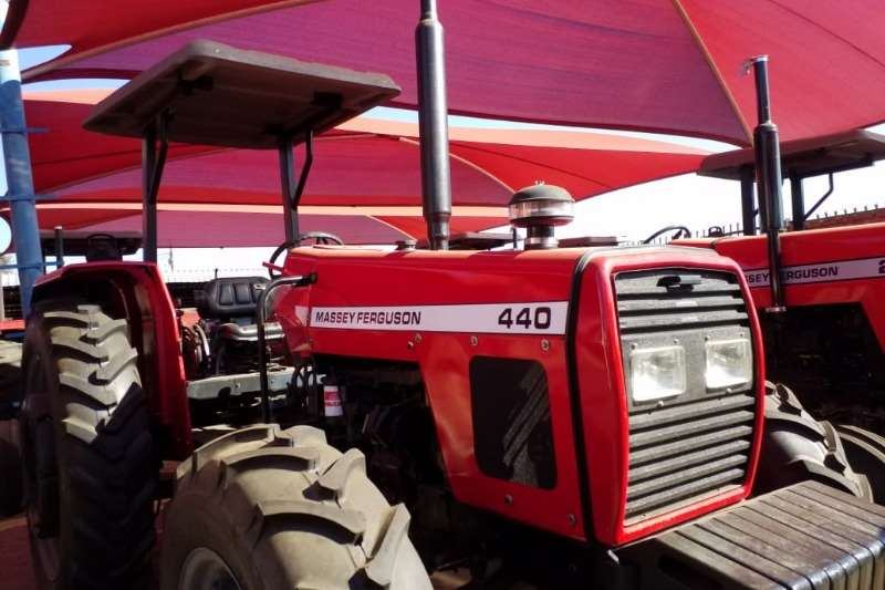 Massey Ferguson Four wheel drive tractors MF 440 4x4 Tractor Refurbished to NEW 012 520 5010 Tractors