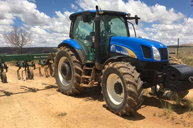 New Holland Four wheel drive tractors 2016 New Holland 6070 Cab 104 KW. Prys R 950 000 0 Tractors