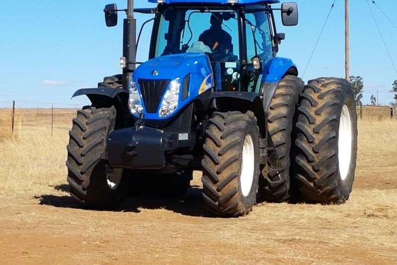 Tractors New Holland Four Wheel Drive Tractors New Holland 7040 2009