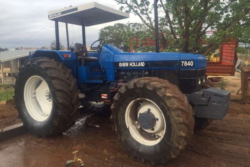 Tractors New Holland Four Wheel Drive Tractors New Holland 7840 75 kW  6 Cyl 0