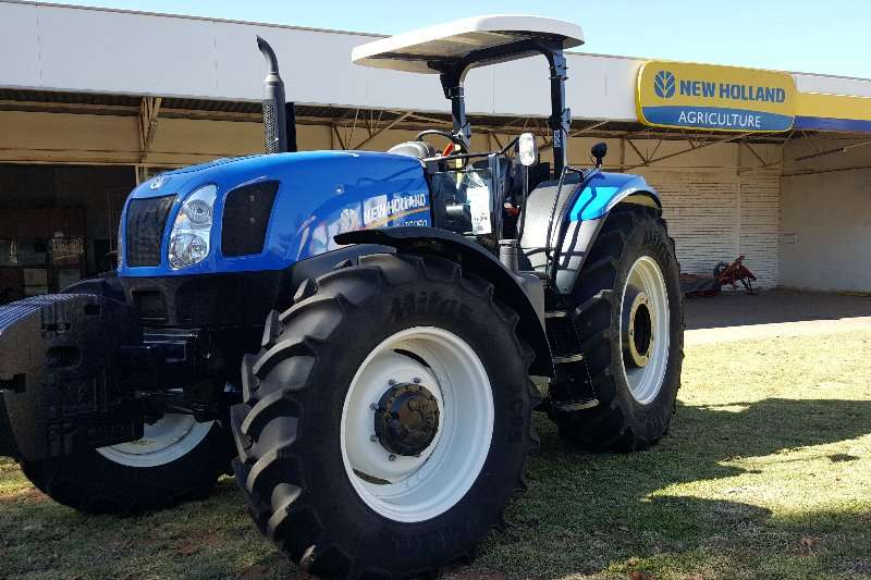 New Holland Four wheel drive tractors New Holland T6050 . Tractors