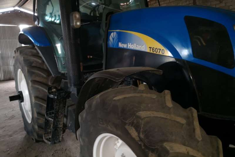 New Holland Four wheel drive tractors New Holland T6070 Tractors