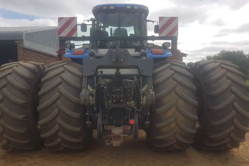 New Holland Four wheel drive tractors New Holland T9 615 Tractors