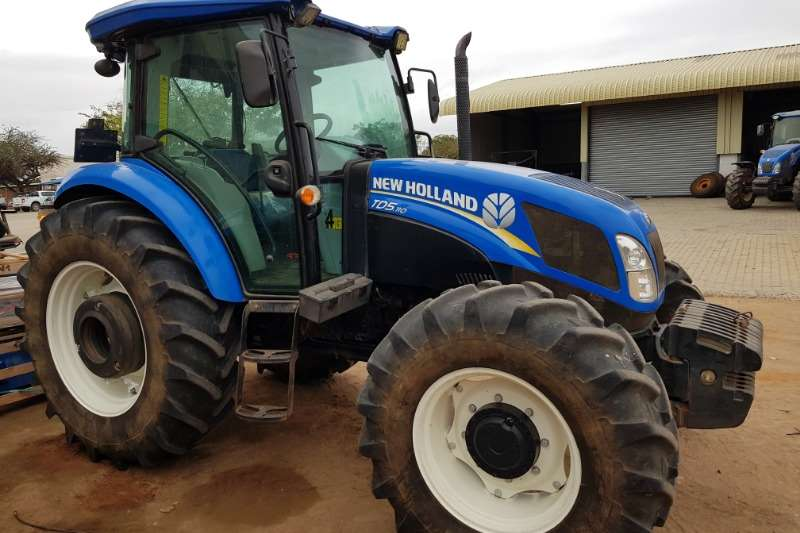 New Holland Four wheel drive tractors New Holland TD5.110 DT Cab Tractors