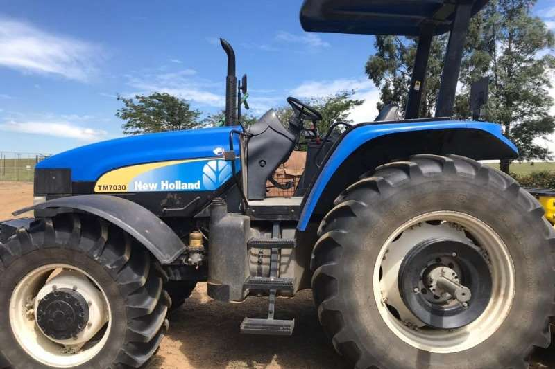 New Holland Four wheel drive tractors New Holland TM 7030 Tractors