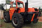 Tractors Other tractors CAT 424D and CASE 4496