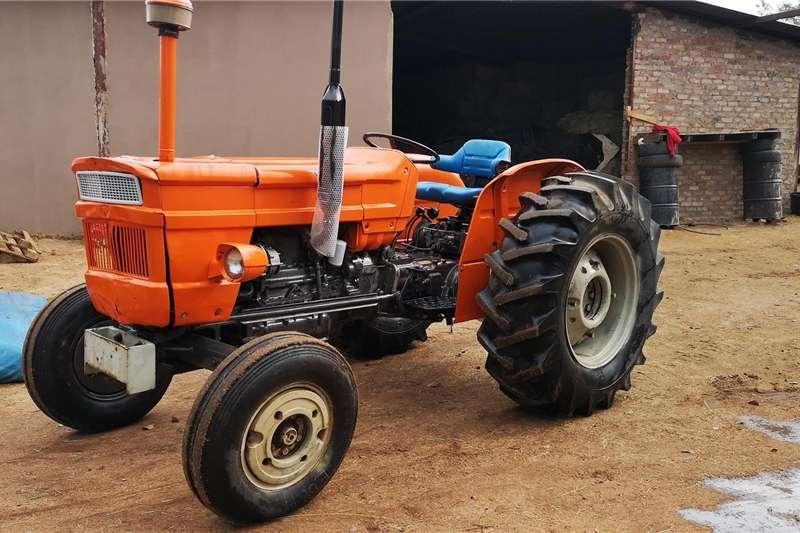 Two wheel drive tractors FIAT 640 Tractors
