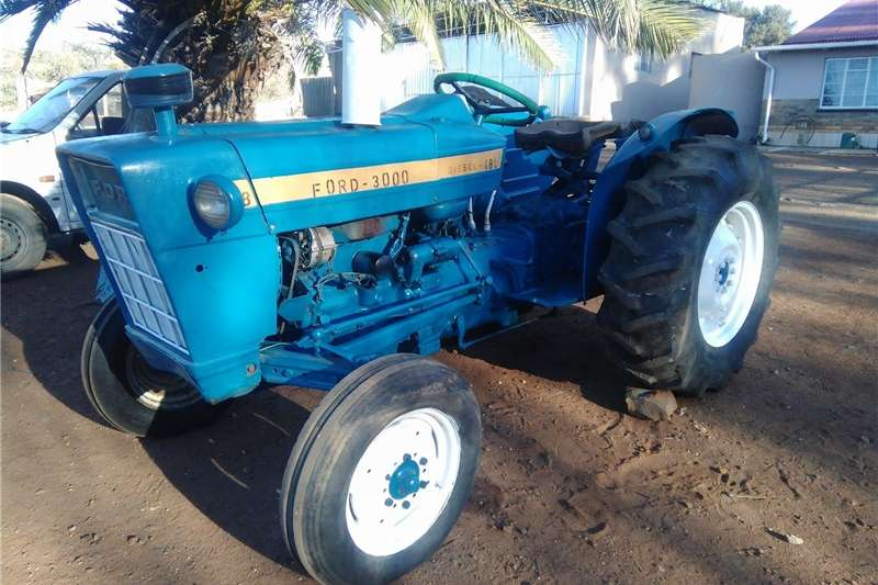 Two wheel drive tractors Ford 3000 Tractors