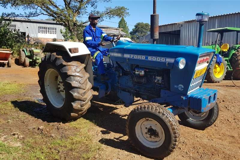 Two wheel drive tractors Ford 5000 2x4 Tractor Tractors