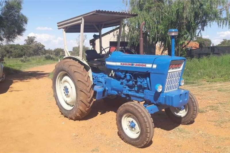 Two wheel drive tractors Ford 5000 with Canopy Tractors
