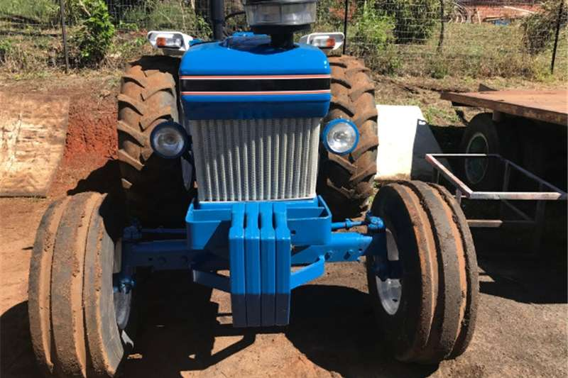 Two wheel drive tractors Ford 6610 2x4 Tractor Tractors
