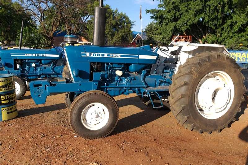 Tractors Two Wheel Drive Tractors Ford 7600 2x4