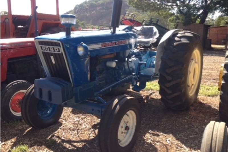 Two wheel drive tractors S2887 Blue Ford 5000 51kW/69Hp 2x4 Pre Owned Tract Tractors