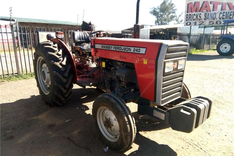 Tractors Two Wheel Drive Tractors S2960Red Massey Ferguson (MF) 240 35kW/45Hp Pre-Ow 2011
