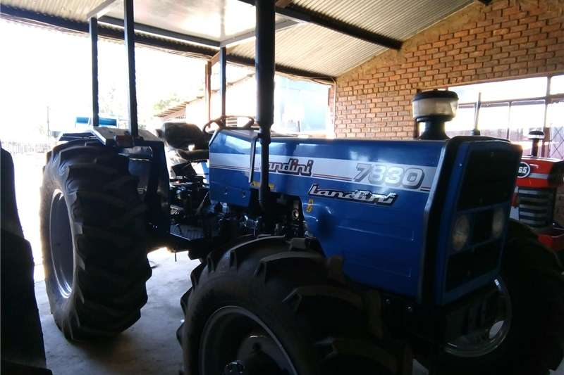 Two wheel drive tractors S3047Blue Landini 7860 53kW/71Hp 2x4 Pre Owned Tra Tractors