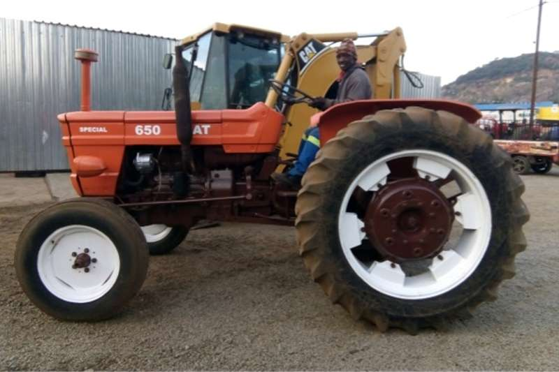 Two wheel drive tractors S3089 Orange Fiat 650 48kW 2x4 Pre Owned Tractor Tractors