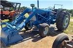 Tractors Utility tractors Ford 6610 met laaigraaf en powerstearing