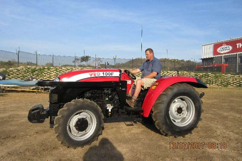 YTO Four wheel drive tractors YTO 100 F .4WD 74KW Tractors