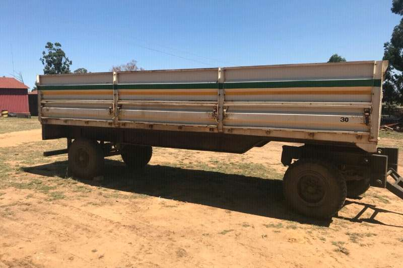 Trucks 10 Ton Mielie of Soja Sleepwa