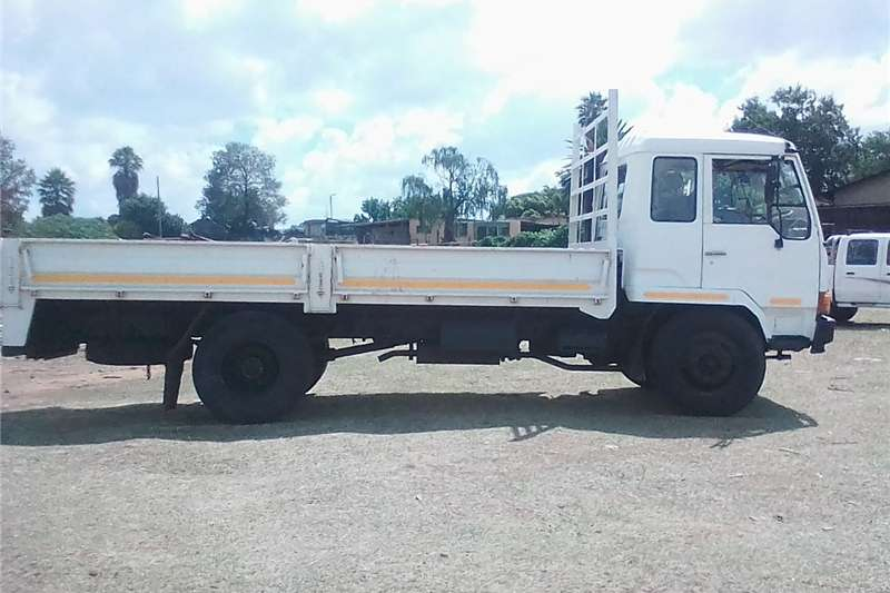 Double axle FAW for sale Trucks