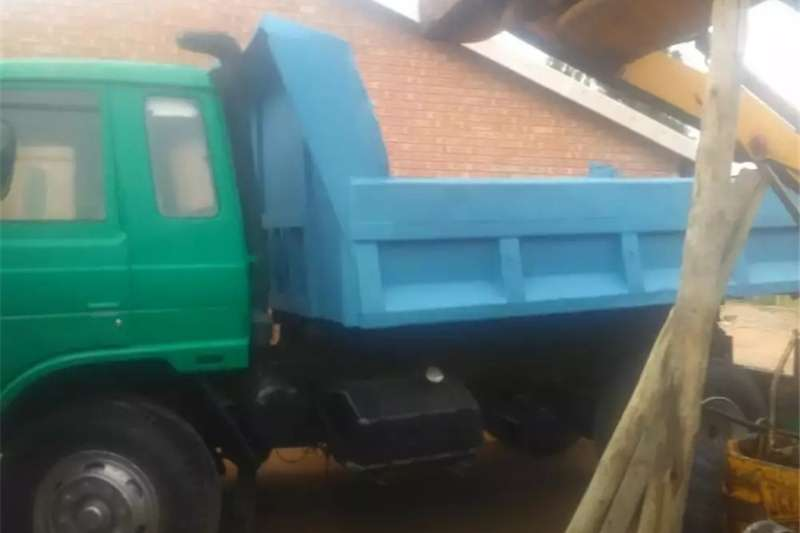 Double axle Tipper for sale Trucks