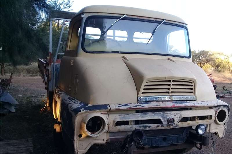 Trucks Double Axle Truck for sale