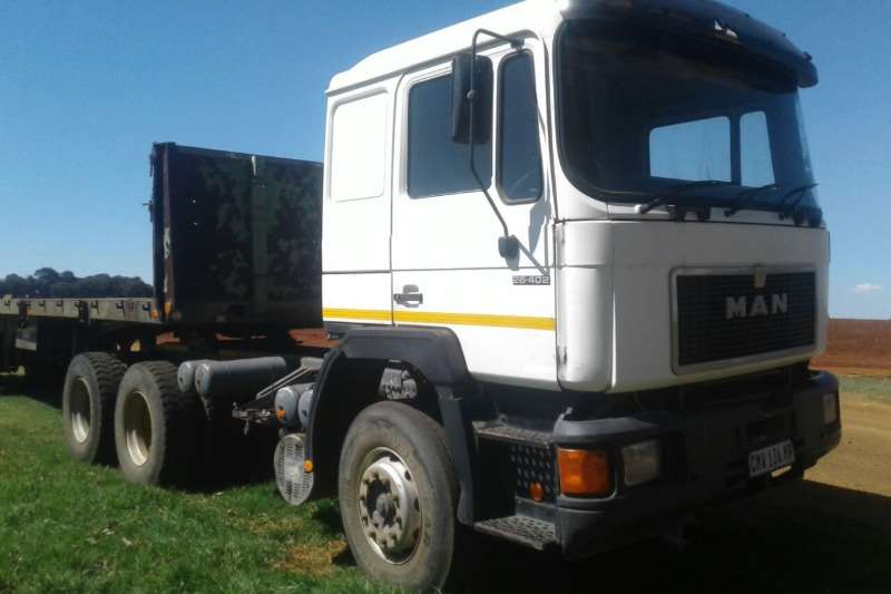 Trucks MAN 26-402 Horse 0