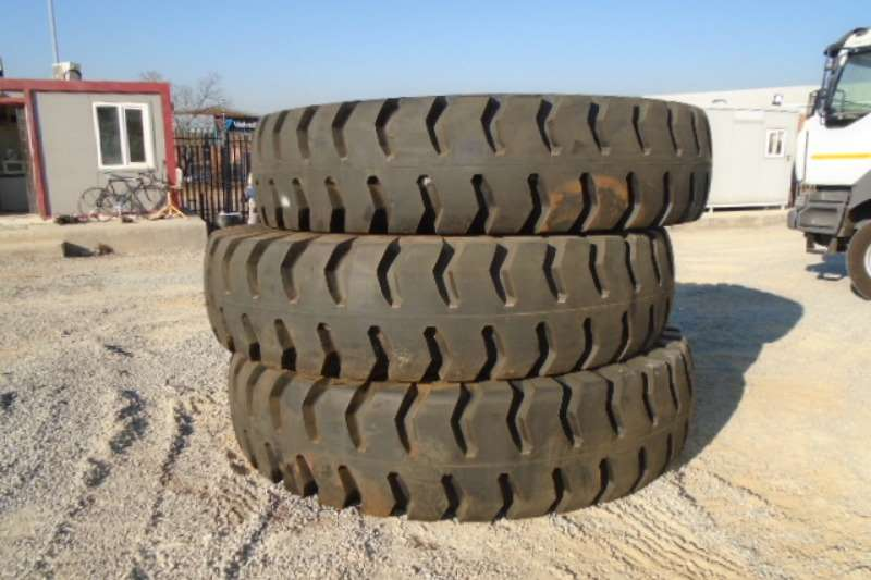 Tyres 24.00-49 E4 48 PLY Loader Tyre