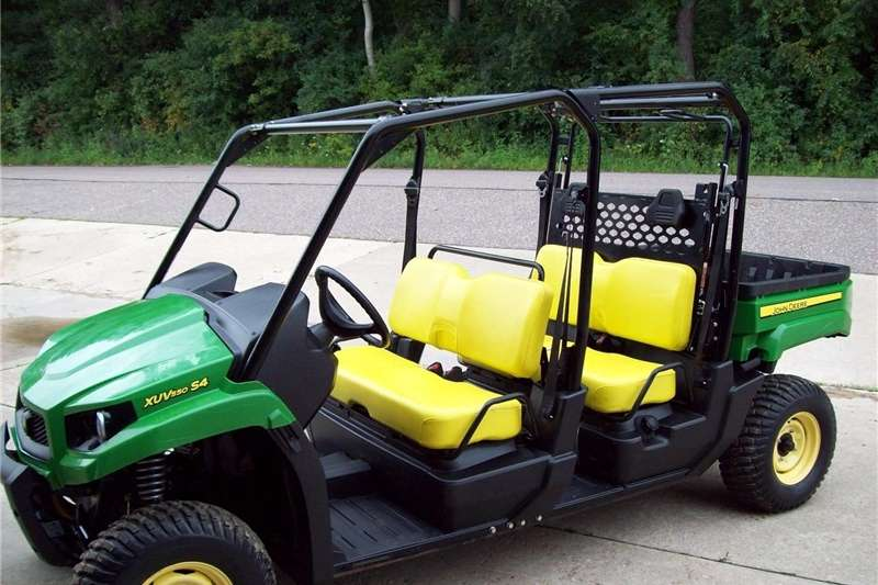 Utility Vehicle Four Wheel Drive John Deere Gator XUV 550 S4 4X4, dump box, automat