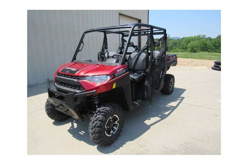 Utility Vehicle Four Wheel Drive Polaris XUV Side By Side