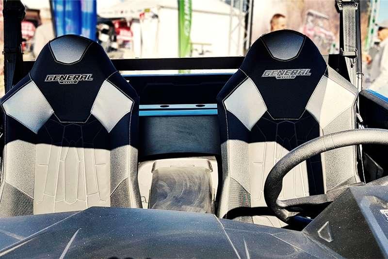 Four wheel drive Powerful, Striking Polaris General 1000 Sport Side Utility vehicle