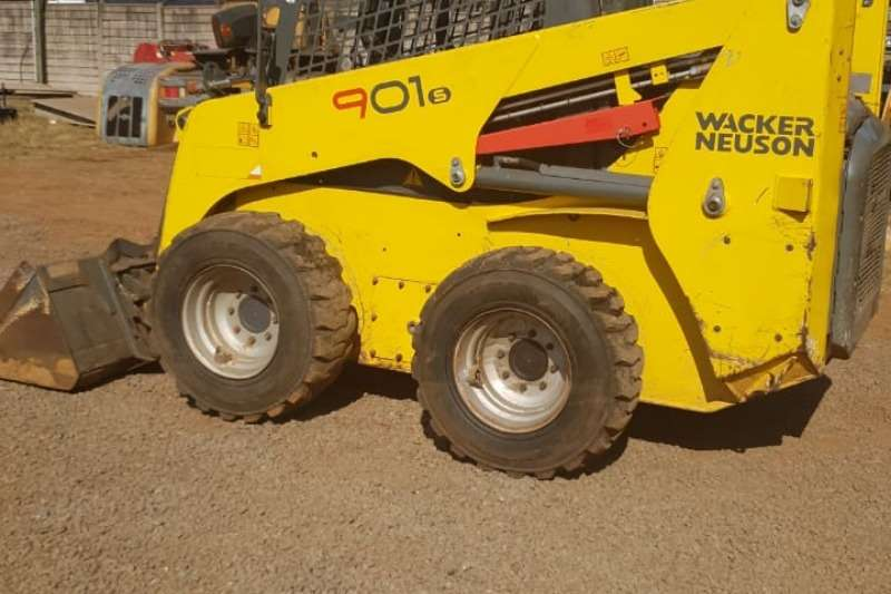 Wacker Neuson Skid Steers Farming 901S Bobcat Skid Steer 2015