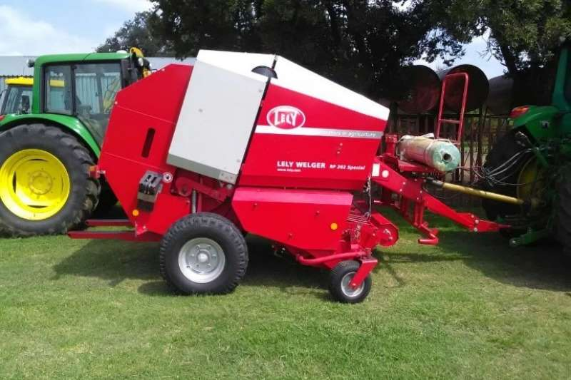 Welger Hay and Forage Balers Lely Welger 202