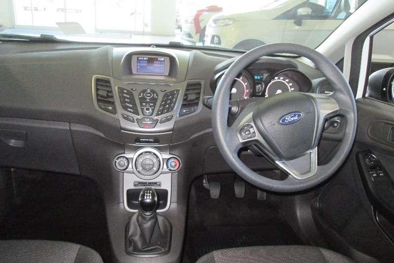 0 Ford Fiesta