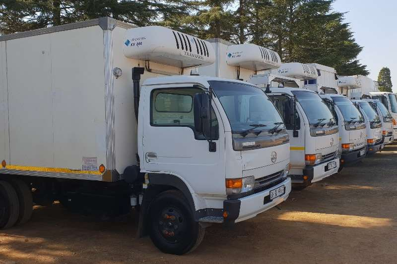 Nissan Nissan Ud 40 L with fridge body