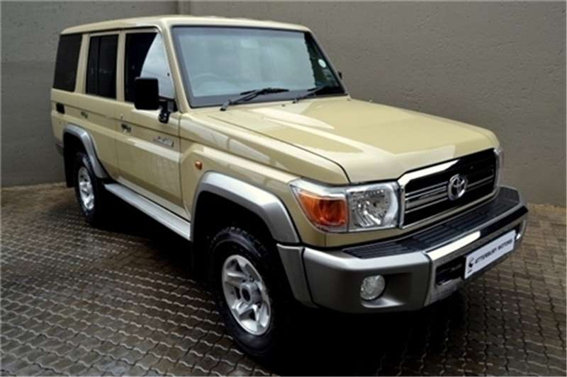 2015 Toyota Land Cruiser 76