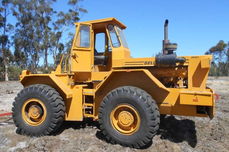 Bell Tractors - Towing BELL 2056L4 1985