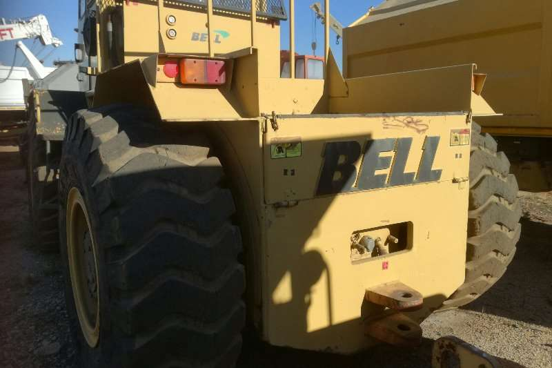 Bell Tow Tractor Bell 1756TL4C Tractors - towing