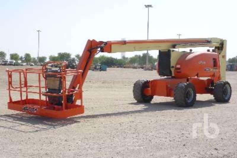 JLG 800AJ Boom lifts
